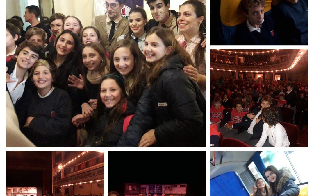 6to y 7mo vieron una obra de teatro  en Inglés presentada por el grupo Buenos Aires Players.